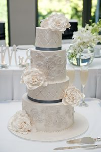 wedding tradition - tiered cake
