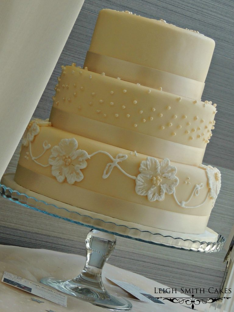 Wedding Cake - Pearls and Flowers Cake