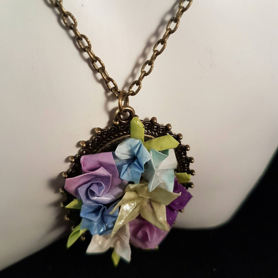 Wedding accessories - Vintage style Floral Pendant